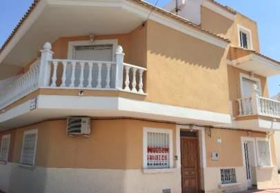 Casa en calle de Pablo Neruda, nº 14